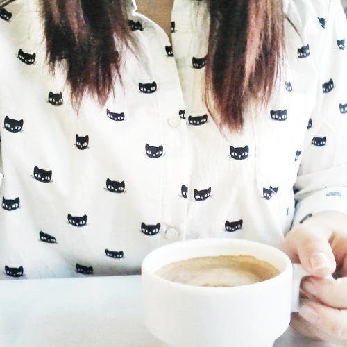 coffee, outfit, ootd, outfit of the day, cat shirt, kitty shirt, cat pattern, fashion