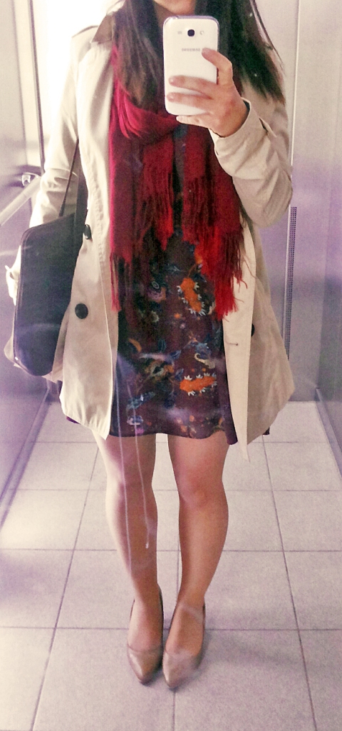 outfit, ootd, trench coat, elevator, dress, bershka, red scarf, patterned dress, nude heels